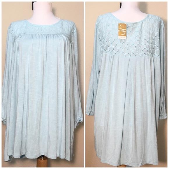 b590216f828 Suzanne Betro aqua lace top size 1X